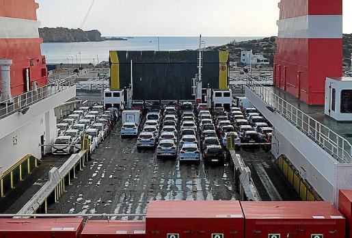 Las empresas de rent a car renuevan la flota al menos una vez al año.