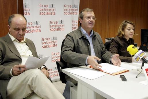IBIZA - PSOE - RUEDA DE PRENSA DE LOS DIPUTADOS SOCIALISTAS.