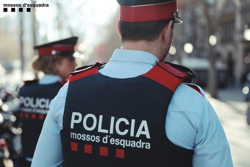 El cuerpo policial investiga los hechos por robo con violencia y de momento no se ha pronunciado sobre si existen detenidos.