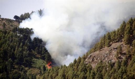 Ya hay 50 localidades desalojadas por el fuego