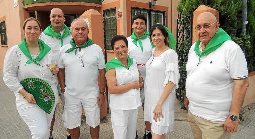 Cristina Carrasco, Juan Miguel Sánchez, Fernando Garrido, María del Carmen Muñoz, Juan Pedro Santana, Susana Domenech, presidenta del Centro Aragonés; y Manuel Carrasco.
