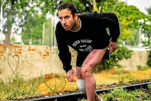 Álvaro Trigo preparado para iniciar una carrera una vez salido del hospital.