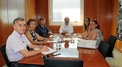 Desde la izquierda: Andreu Roig, Neus Mateu, Jordi Salevski, Vicent Roig, Mónica Madrid y Mónica Fernández.