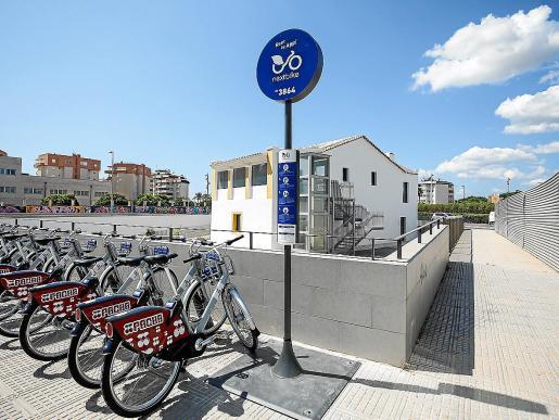La empresa quería probar el sistema de carga con energía solar de las bicicletas.