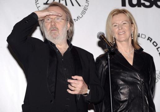 Los cantantes suecos Benny Andersson y Anni-Frid Lyngstad se reunieron en la ceremonia en la que el grupo entró en el Salón de la Fama.