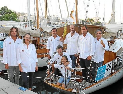 Martín Amescua y Alexia Antón. En el velero: Rita y Diego Méndez, Álvaro Díez -Canero, Joan Colomar, Rodrigo Álvarez y Víctor Mariani.