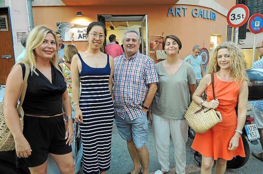 María José Andreu, Shengnan Yu, Abel Buendía, Marina Rosell y Concha Lozano.