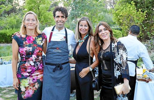Anette Anderson, Fernando P. Arellano, Isabel Hernández y Plácida Mariño.