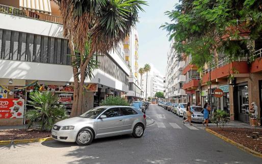 Cruce entre las calles Castilla y Bisbe González Abarca, donde se encuentra la tienda de golosinas Can Xuxes.