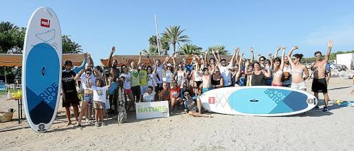 La jornada se desarrolló en Cala Martina y fue un éxito de participación y de recogida de residuos.