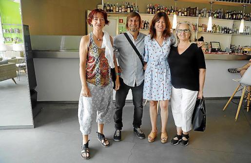 Cris Pink, Alex Fito, Pilar Rubí y Teresa Matas.