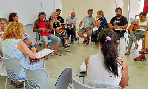 La reunión tuvo lugar ayer por la mañana en las instalaciones municipales de Sant Jordi.