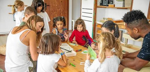 Primer día de clase en el CEIP Santa Agnès.