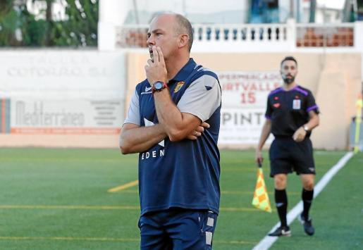 Carlos Marí, entrenador del Portmany, durante el partido contra el CD Ibiza de hace dos fines de semana.