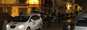 Detenido en Ibiza un hombre que circulaba con su mujer embarazada sobre el capó del coche