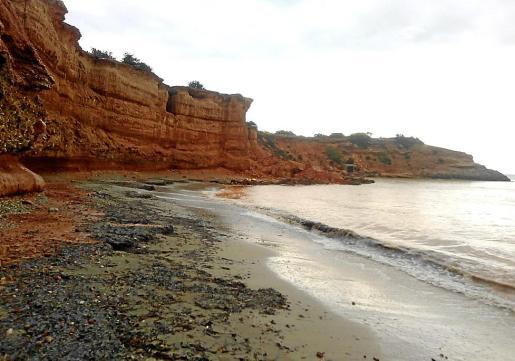 El acantilado de es Bol Nou sufrió desprendimientos el pasado jueves.