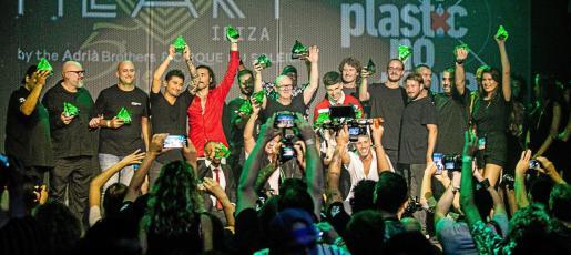 La foto de todos los ganadores sobre el escenario puso fin a una ceremonia que se celebró durante la noche del lunes en las instalaciones de Heart Ibiza.