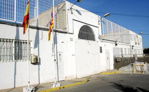 Entrada principal del Centro Penitenciario de Ibiza.