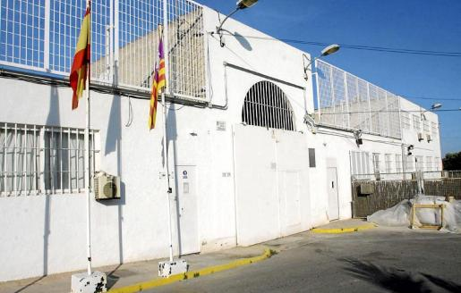 Entrada principal del Centro Penitenciario de Ibiza, ubicado en la zona de Sa Carroca.