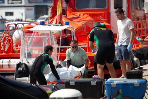 El cuerpo se encontraba en un enclave situado a unos 200 metros de la playa del Port de Sant Miquel.
