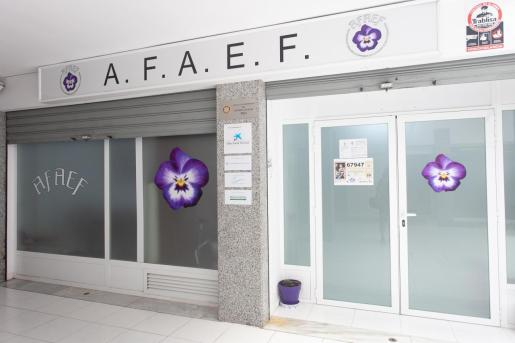 La asociación presta ayuda a 168 personas afectadas por la enfermedad de forma directa e indirecta