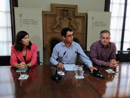 Rosana Morillo, Iago Negueruela y Llorenç Pou en rueda de prensa.