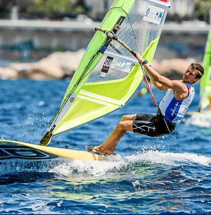 Mateo Sanz navega durante una prueba celebrada este año.