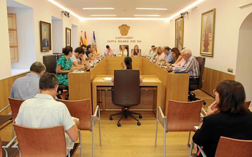 Imagen del pleno que se celebró ayer en Santa Eulària.