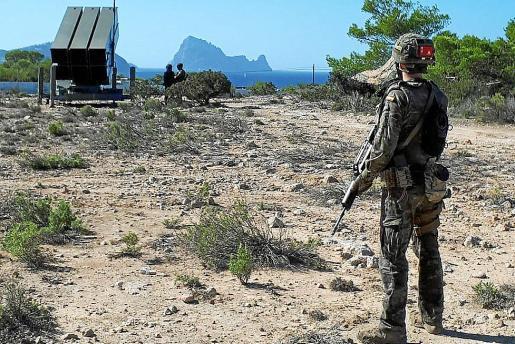 Uno de los ejercicios realizados por los militares en Ibiza durante esta semana.