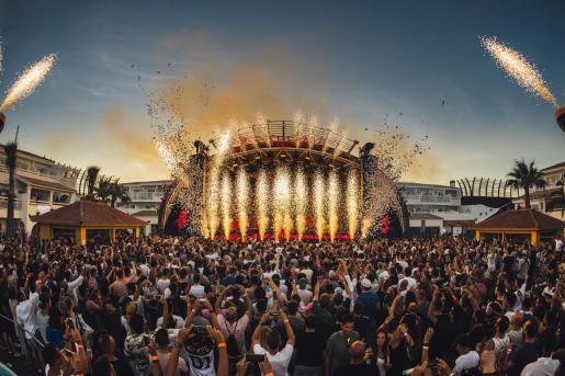Una fiesta en Ushuaïa Ibiza.