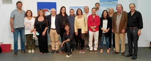 Varios de los artistas que forman parte de la exposición y que acudieron a la inauguración en Orán.
