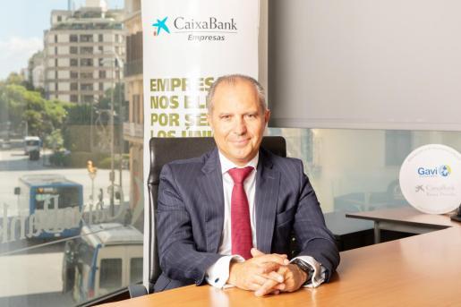 Juan asegura que ha crecido el número de directivas en la entidad (40,1%). Junto con Microsoft Ibérica y a través de WONNOW, se premia la excelencia de las universitarias.