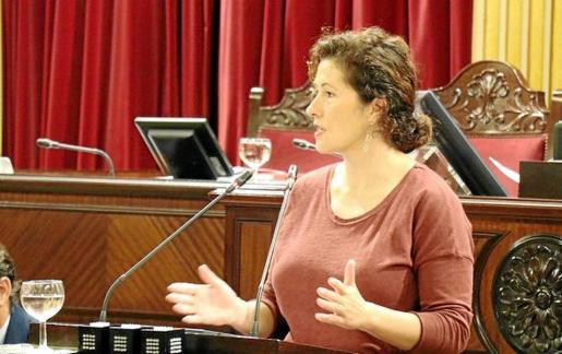 Silvia Tur asegura que los usuarios de las barcas que conectan las Pitiusas están ante una «indefensión total».