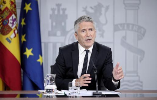 El ministro del Interior en funciones, Fernando Grande-Marlaska, comparece en rueda de prensa, en Moncloa para informar de la reunión del Comité de seguimiento de la situación en Cataluña, en Madrid, a 18 de cotubre de 2019.
