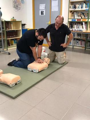 El centro de salud de Formentera forma a 120 profesores en técnicas de primeros auxilios.