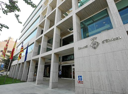 El Consell d'Eivissa ha impuesto dos sanciones muy graves a los dos conductores interceptados.