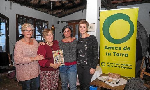 La asociación hizo entrega de sus tradicionales premios 'Amic i Enemic de la Terra'.