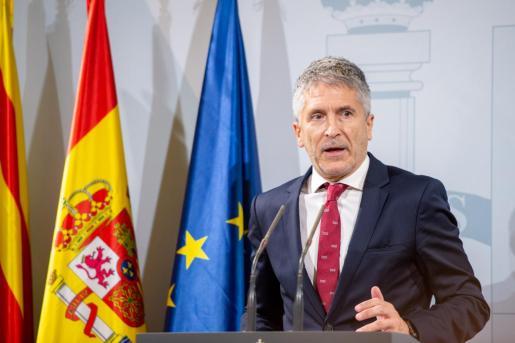 Rueda de Prensa del ministro de Interior, Fernando Grande Marlaka.