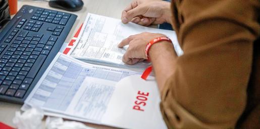 La segunda convocatoria de elecciones generales en seis meses desemboca en un preacuerdo en apenas dos días.