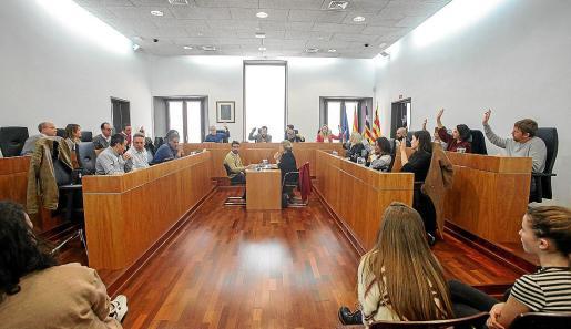 La oposición no apoyó los presupuestos municipales ni la nueva relación de personal.