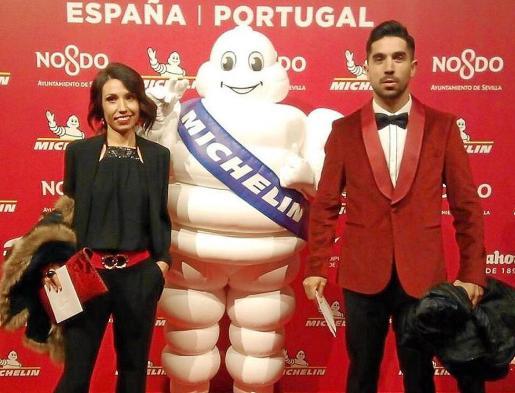 Álvaro Sanz y su mujer, Elisa, recibieron el galardón el miércoles por la noche en Sevilla.