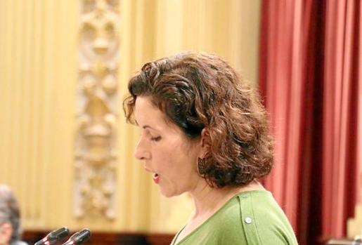 Silvia Tur lamenta que todavía no se haya redactado el proyecto sobre la ampliación de cuatro aulas.