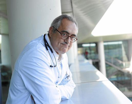 El doctor Melcior Riera es, probablemente, la persona que más sabe sobre el VIH en Baleares.