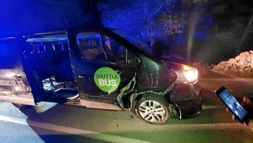 El hombre entró en un rent a car para robar una furgoneta y se dio a la fuga.