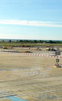 Gran esfuerzo inversor. La directora del aeropuerto de Ibiza, Marta Torres, destaca el volumen de inversión que se va a ejecutar.