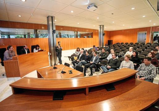 Reunión de la primera Junta Insular del Agua en el Consell d'Eivissa.