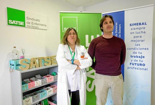 Carmen Ortiz (Satse) y David Fernández (Simebal), ayer, tras la decisión del Govern de rescindir el contrato a Eliance.