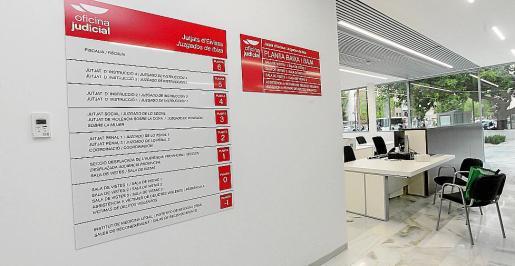 En la planta baja del edificio se han habilitado diversas salas para la atención de los usuarios