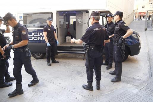 La Policía Nacional presentó a la detenida en el juzgado y, a las pocas horas, el juez la puso en liberdad.