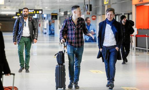 Escaso movimiento de pasajeros en el aeropuerto.